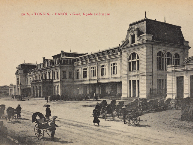 Vietnam-Tonkin-Hanoi-Gare,-façade-extérieure
